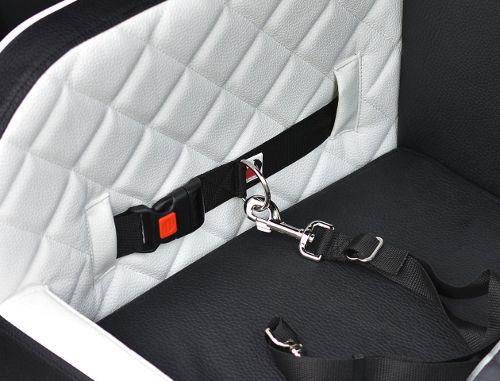Kofferraum-Hundebett Option Anschnallgurt